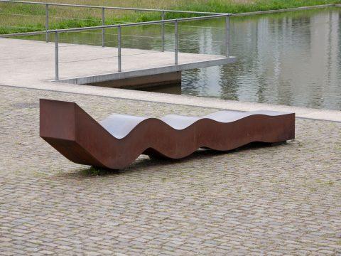 Hans Otto Lohrengel, Dynamische Welle, 2004 | AM Wasserband, Petrisberg, Trier