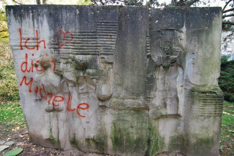 Raf_Verjans_Monument_Tongeren_2000_31 |