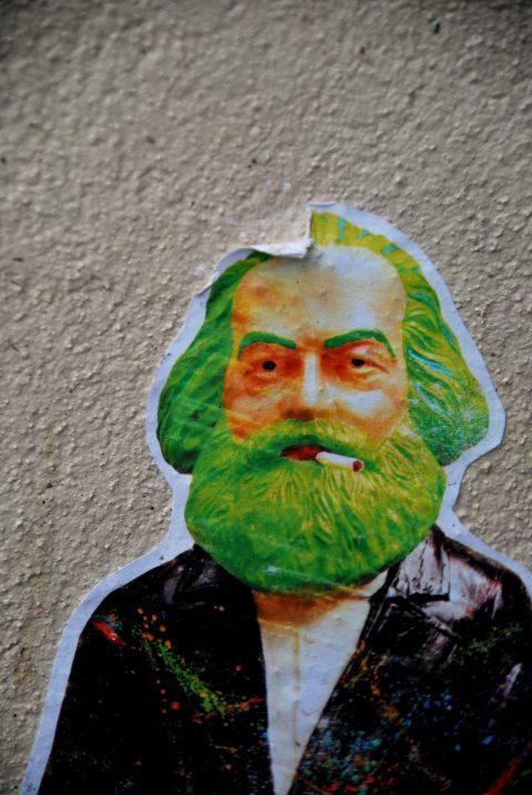 Unbekannt, Karl Marx mit Zigarette, um 2013 | Galerie Kaschenbach in der Neustraße, Trier