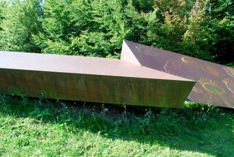 Christoph Mancke, Zeichen in der Landschaft, 1991 | Universitätsring, Tarforst, Trier