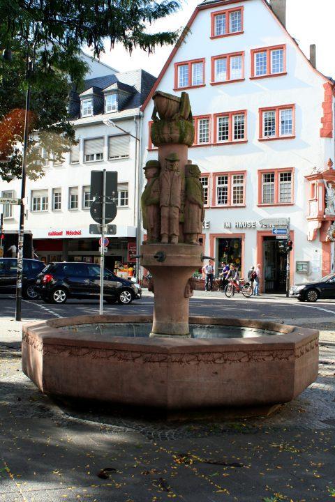 willi_hahn_heuschreckbrunnen_001 |