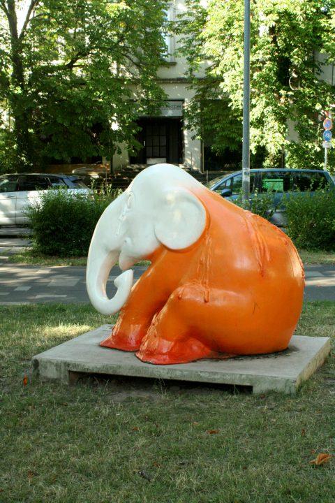 Elephant_Parade_Trier_Luxemburg_2013_Melting_Elephant_07 |