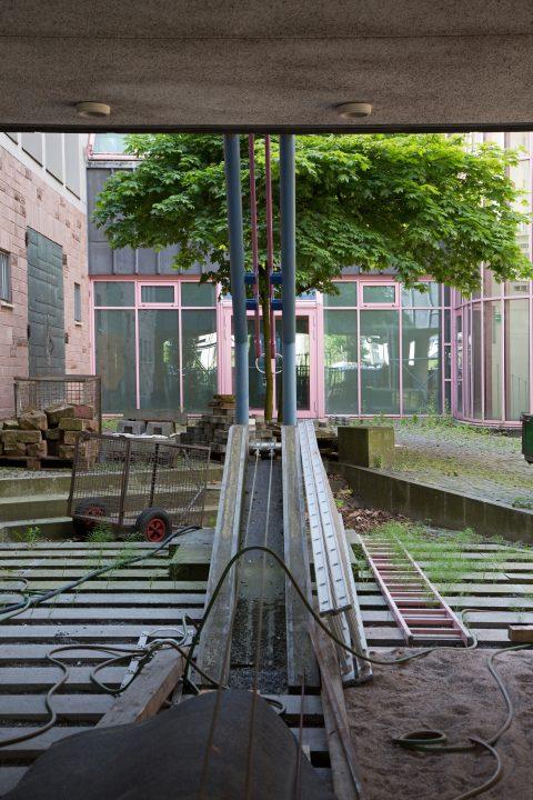Clas Steinmann, Das schiefe Tor, 1989 | Rheinisches Landesmuseum