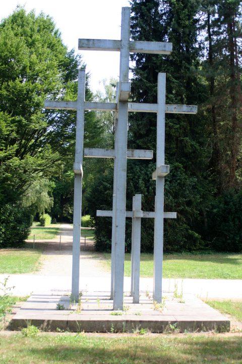 Jupp_Zimmer_Adolf_Steines_Den_Toten_der_beiden_Weltkriege_Hauptfriedhof_Trier_002 |
