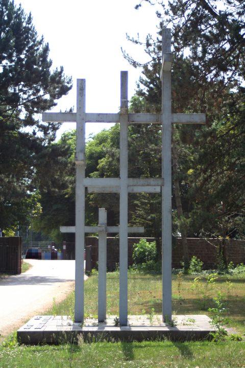Jupp_Zimmer_Adolf_Steines_Den_Toten_der_beiden_Weltkriege_Hauptfriedhof_Trier_004 |