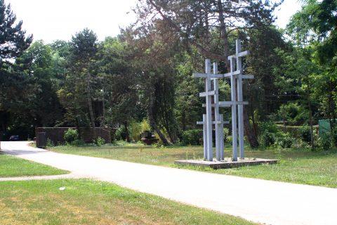 Jupp_Zimmer_Adolf_Steines_Den_Toten_der_beiden_Weltkriege_Hauptfriedhof_Trier_005 |