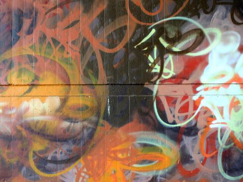 Mantra_&_Love_Graffiti_Konrad_Adenauer_Brücke_Trier_201709 |