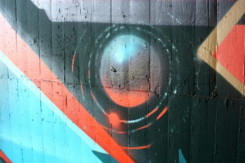 Mantra_&_Love_Graffiti_Konrad_Adenauer_Brücke_Trier_201727 |